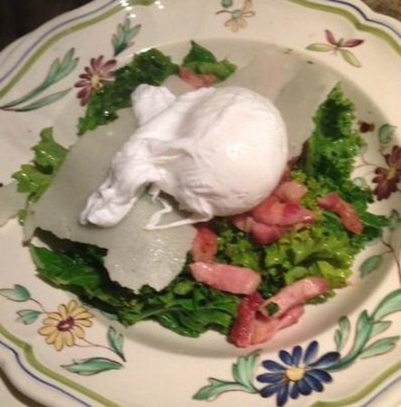 Swifty's: Kale salad with poached egg