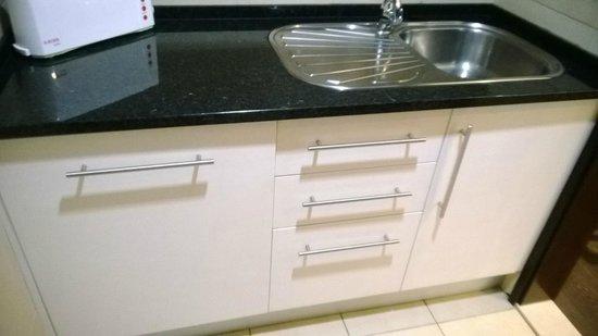 Parque Mourabel Apartments: kitchen