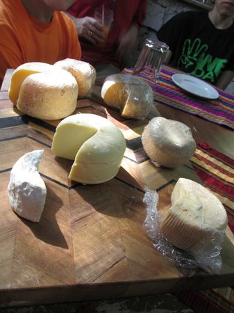 Ian Anderson's Caves Branch Jungle Lodge: Artisanal cheese