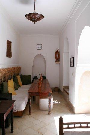 Riad Jmya : Salle à manger
