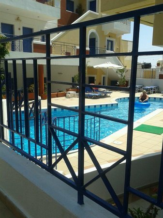 Astra Village Apartments: Piscina 1
