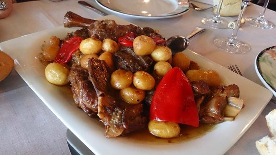 Restaurante Canzana: CABRITO CON PATATINOS