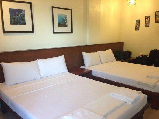 Agos Boracay Rooms + Beds: Nice room interiors
