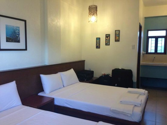 Agos Boracay Rooms + Beds: Nice room interiors