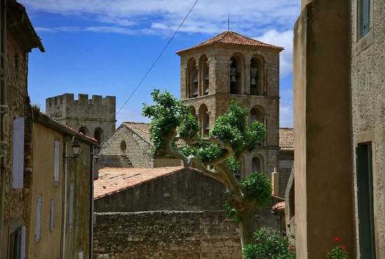 Hotel La Marbrerie : Abbaye et église de Caunes