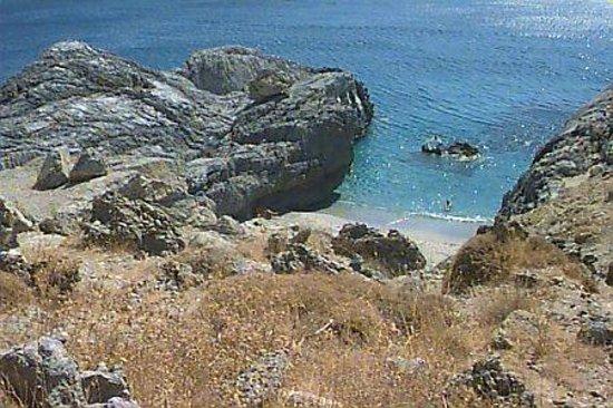 Stavio: Klisidi near Damnoni beach