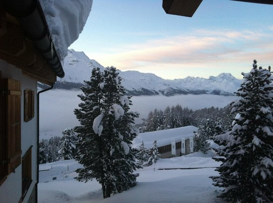 Berghotel Randolins: Early morning view