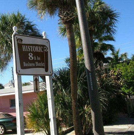 Seahorse Restaurant : Historic 8th Avenue, Pass-A-Grille Beach, FL