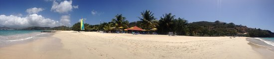 Mount Cinnamon Resort & Beach Club: Panoramic of beach cabana