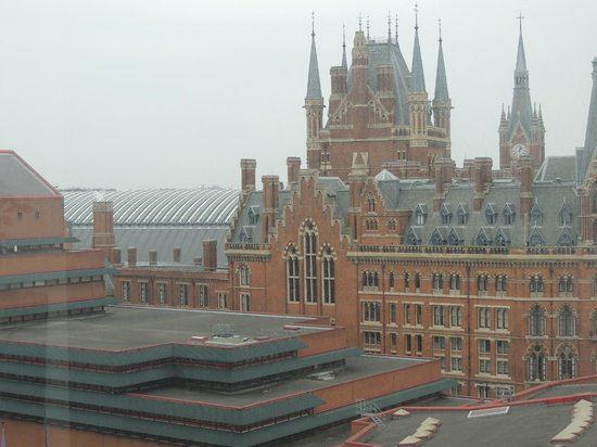 View of st pancras station picture of pullman london st pancras hotel lon - Hotel pullman londres saint pancras ...