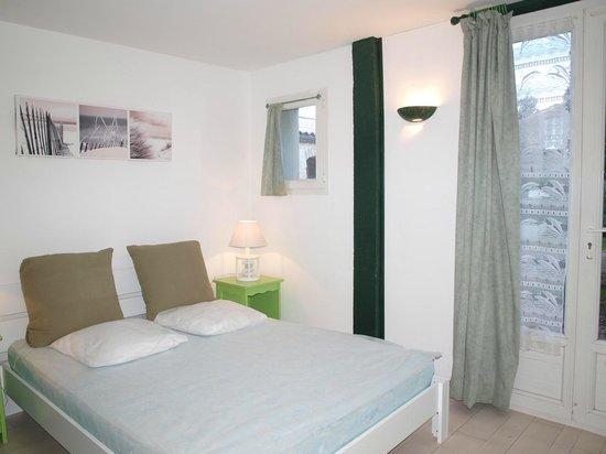 luminaire avec toile d 39 araign e photo de le pressoir dolus d 39 ol ron tripadvisor. Black Bedroom Furniture Sets. Home Design Ideas