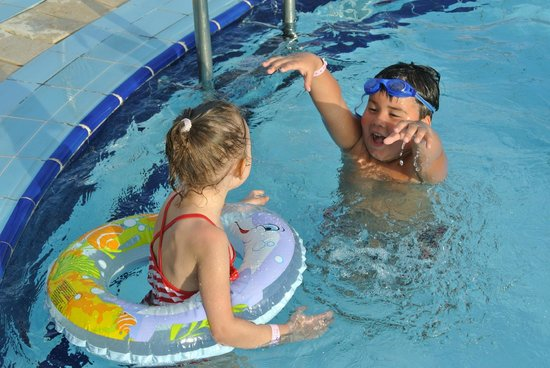 Sunrise Select Garden Beach Resort & Spa : Children pools