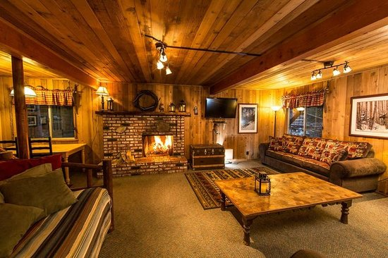 Game room at hidden creek picture of arrowhead pine rose for Cabins in lake arrowhead ca