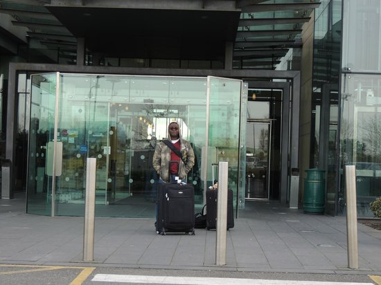 Clayton Hotel Dublin Airport: Hotel Front