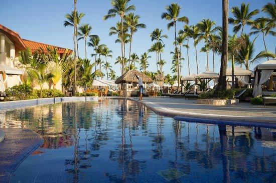 Majestic Elegance Punta Cana: Elegance Club section, pool area near the beach