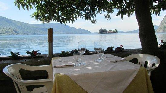 Monte Isola, Italie: La vista dalla nostra terrazza sul lago