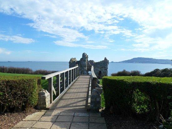 Weymouth Portland Railway Walk: Sandsfoot Castle