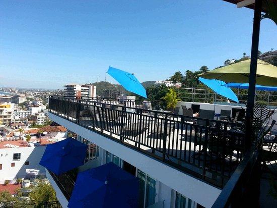 Villa Olivia: Rooftop Pool Area