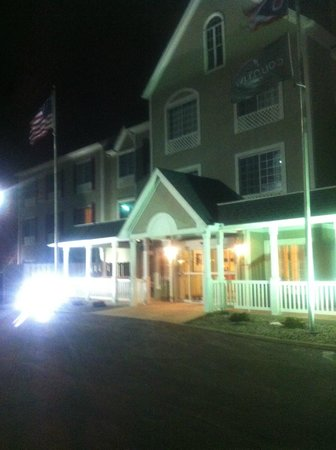 Country Inn & Suites By Carlson, Toledo : FRONT OF HOTEL