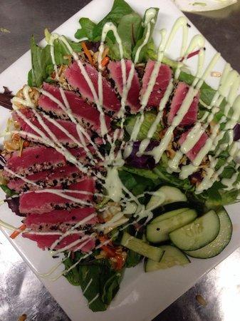 Sunset Grille: Ahi Tuna Salad