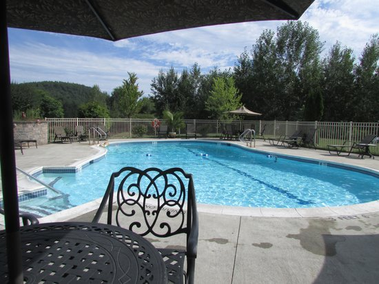 Cronin's Golf Resort: pool
