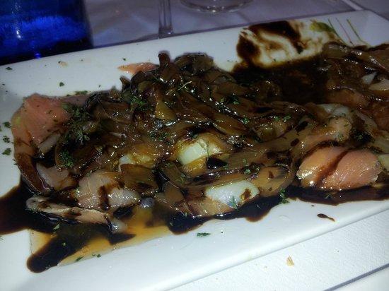 Bar Itxas Etxea: ensalada templada de bakalao y salmon