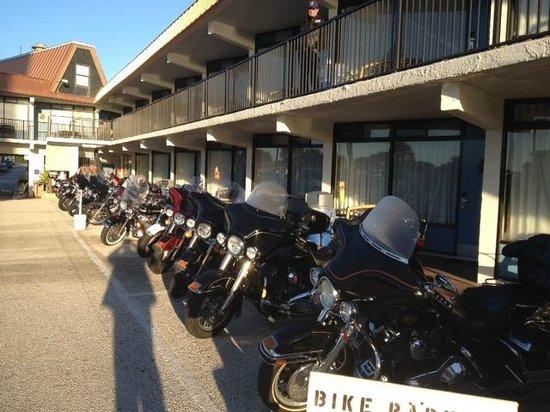 Sun Viking Lodge: entrada habitaciones-bike week 2014