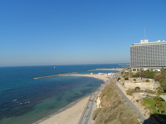 Carlton Tel Aviv: The view from our balcony!