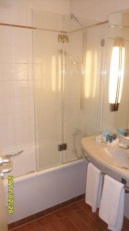 Novotel Budapest Centrum: bathroom
