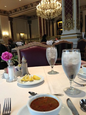 Le Pavillon Hotel: In the Crystal Dining Room