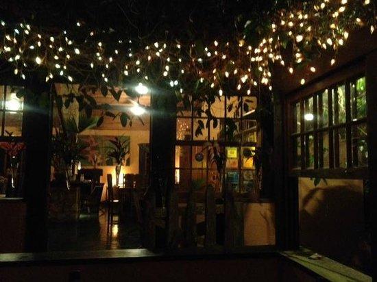 Le Gite D' Indaiatiba: Veranda-salle à manger