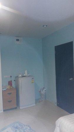 The Click Guesthouse: entrata della camera