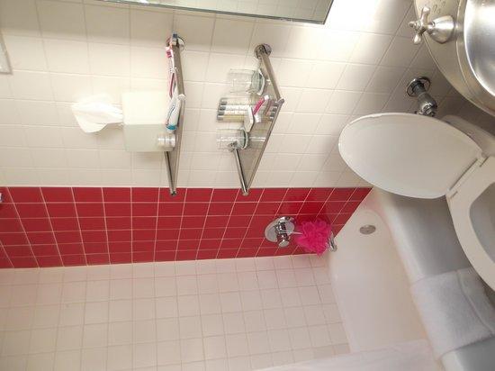 Paramount Hotel Times Square New York: Bathroom