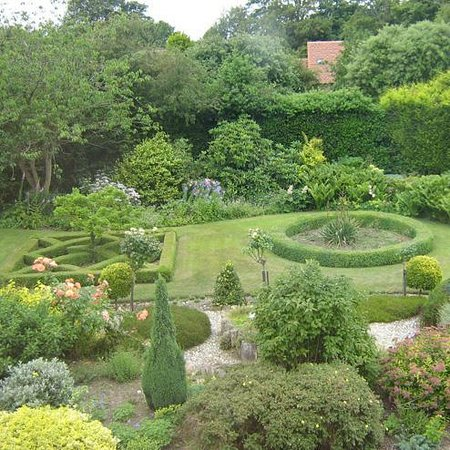 The Old Rectory B&B: Parterre Garden