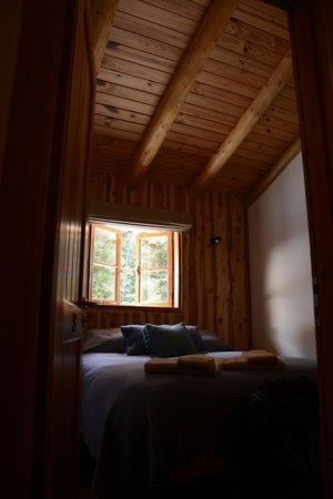La Confluencia Lodge : habitacion con baño compartido