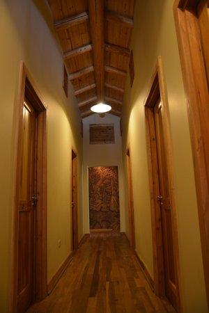 La Confluencia Lodge : pasillo