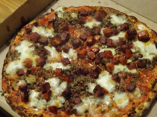 Park Plaza County Hall London : Meat Feast Pizza