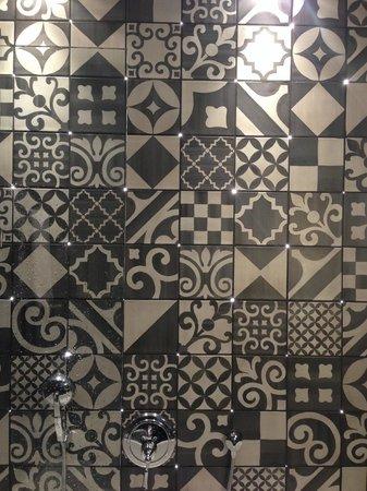 Hotel Fabric: Uma parede de banheiro que surpreende...