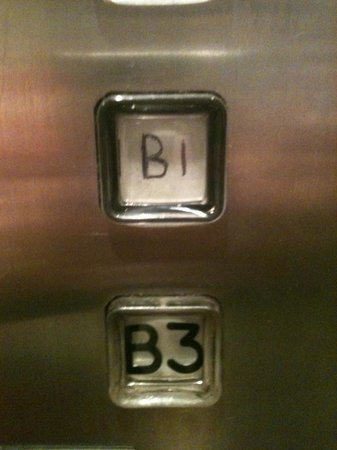 Novotel Sydney Parramatta: Lift buttons written on in biro - they didn't even bother with a sharpie