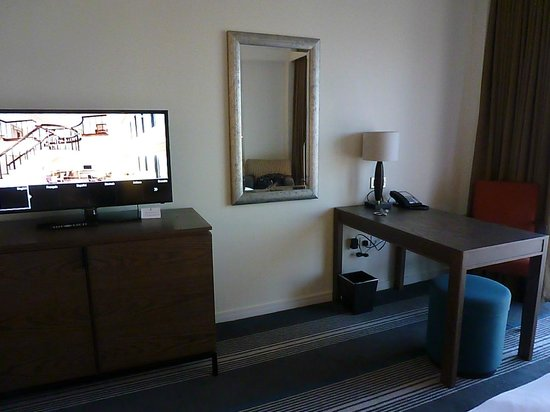 Hyatt Regency Birmingham: The Room
