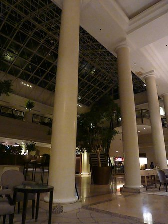 Hyatt Regency Birmingham: The Foyer