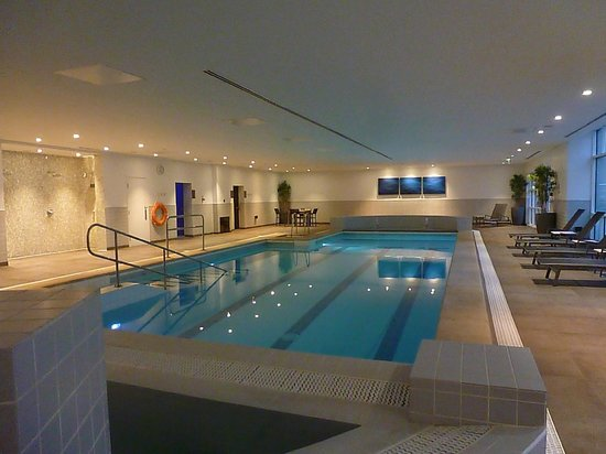 Hyatt Regency Birmingham: The Pool