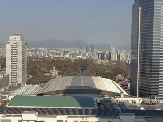 Grand InterContinental Seoul Parnas : rear view. mountains, notable temple