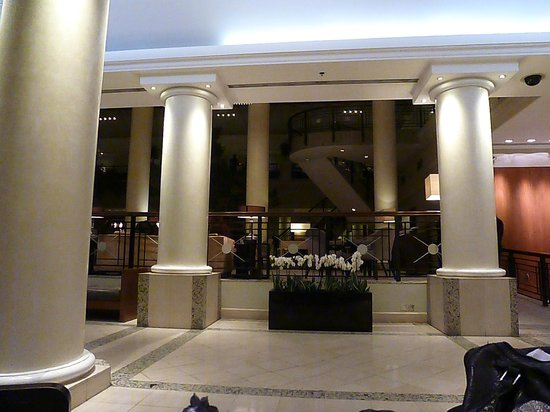 Hyatt Regency Birmingham: The Foyer