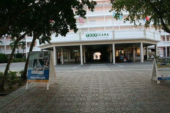 Tropicana Aruba Resort & Casino: Entrance to Tropicana