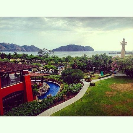 Los Suenos Marriott Ocean & Golf Resort: Grounds and pools