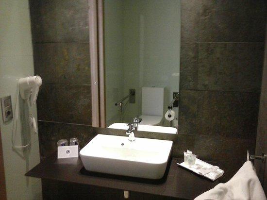 RH Bayren Hotel & Spa: We liked the bathroom ...