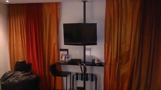 Hotel le Chat Noir: chambre 2