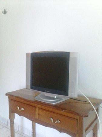 Posada Guadalupe : flat screen tv