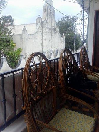 Posada Guadalupe : breezy balcony
